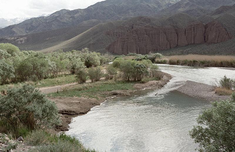 Река Чу в Боомском ущелье