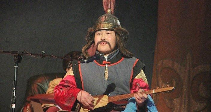 Фестиваль в постановке народного артиста СССР Болота Шамшиева проходит в Ошском национальном драматическом театре