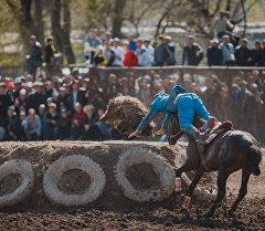 Соревнования по кок-бору в честь праздника Нооруз в Бишкеке