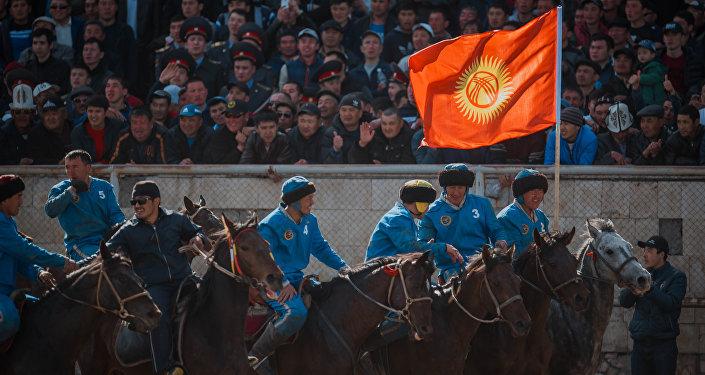 Атамбаев пригласил Стивена Сигала наИгры кочевников. Ионприедет