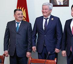 Алмаз Кененбаев, Кубанычбек Кулматов жана Албек Ибраимов.