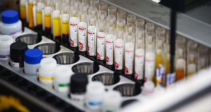 Лаборатория иммуноферментных исследований. Архивное фото