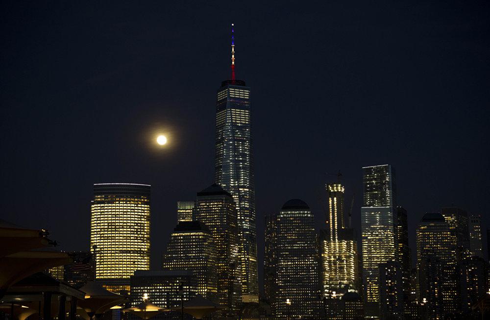 Нью-Йорктогу 103 кабаттуу Empire State Building имараты да аза күтүүгө кошулду