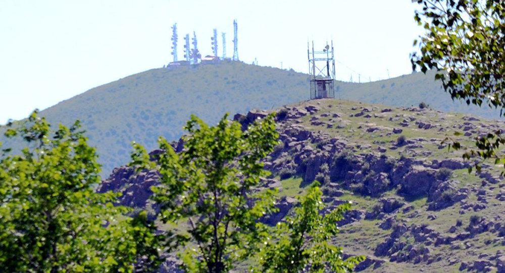 Архивное фото радиорелейной системы-24 Кербен на горе Ункуп-Тоо в Аксыйском районе