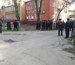 Биринчи Май райондук сотто оппозиция өкүлдөрүнүн ишин Кубанычбек Кадыров менен Бектур Асановдун каралышы
