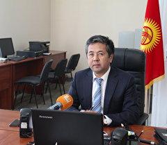 Мамлекеттик каттоо кызматынын төрагасы Тайырбек Сарпашев