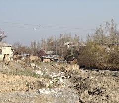 Река в селе Маршап-Сай Кара-Суйского района Ошской области