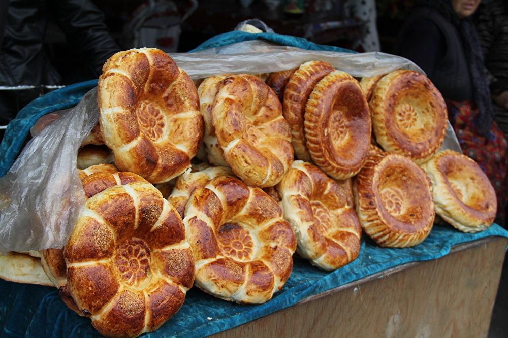 Кечки базардагы тамшандырган тандыр нандары