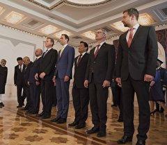 Послы девяти стран на церемония вручения верительных грамот президенту КР Алмазбеку Атамбаеву в Бишкеке