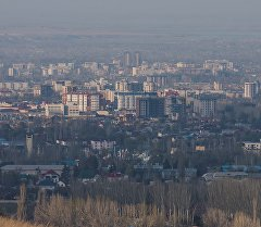 Вид на город Бишкек с горы Бозболток. Архивное фото