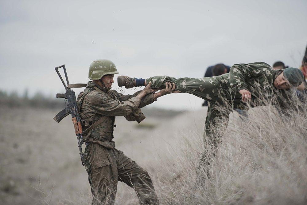 Скорпион атайын даярдыктагы аскерлердин экзамен тапшыруусу
