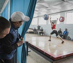 Оор атлетика боюнча Кыргызстандын чемпионаты. Архивдик сүрөт