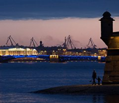 Санкт-Петербургдагы Нева дарыясы. Архив