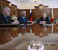 Президент РФ В. Путин провел совещание в Кремле.