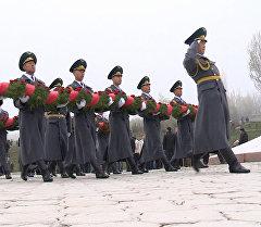 Апрель элдик революциянын курмандыктары Ата-Бейитте жана Бишкек шаарын