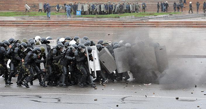 События 7 апреля 2010 года на площади Ала-Тоо Бишкек
