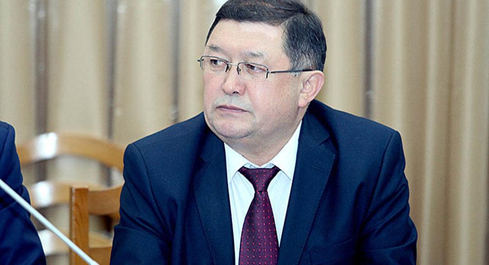 Директор Департамента дорожного хозяйства Министерства транспорта и коммуникаций КР Айдаров Замирбек Казакбаевич. Архивное фото