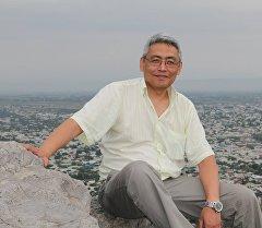 Руководитель проекта Студия практической журналистики, политический обозреватель Азамат Тынаев