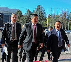 Премьер-министр Сооронбай Жээнбеков кызматына киришти