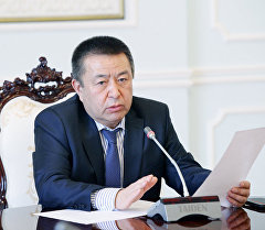 Депутат Чыныбай Турсунбеков. Архив