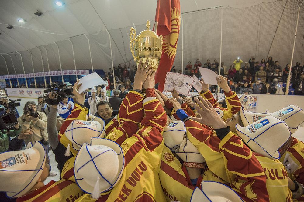 Кубок вызова Азии по хоккею с шайбой в Бишкеке