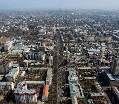 Вид на проспекты Чуй и Дэн Сяопина города Бишкек. Архивное фото