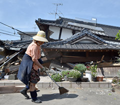 Последствия сильных землетрясений в префектуре Кумамото на юго-западном острове Кюсю в Японии