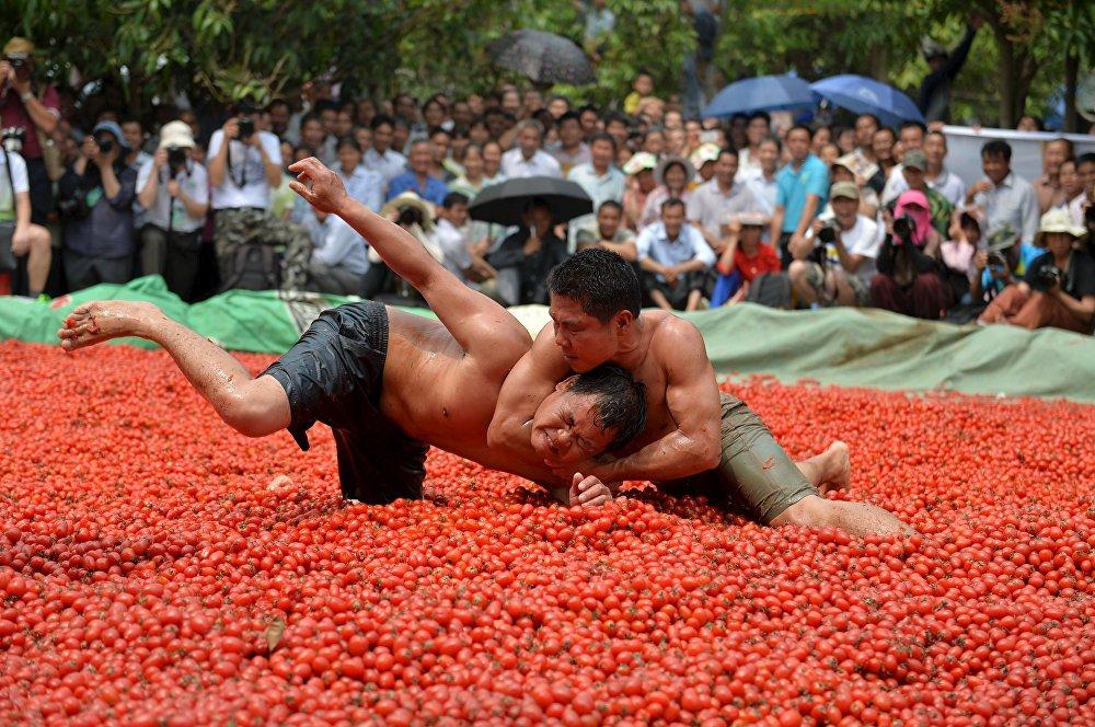 Фестиваль местной культуры и туризма в китайском Тяньяне
