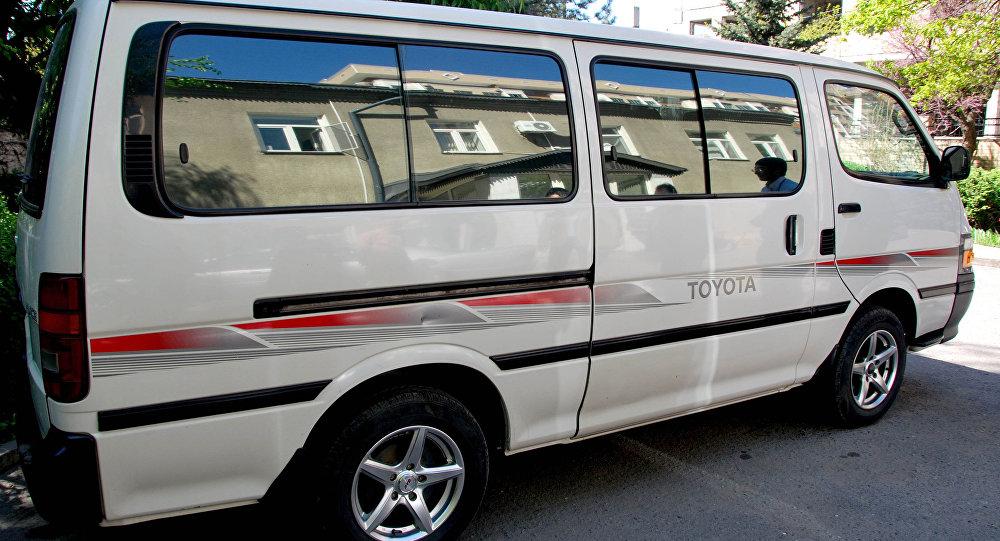 Автомобиль Toyota для станции скорой медицинской помощи.