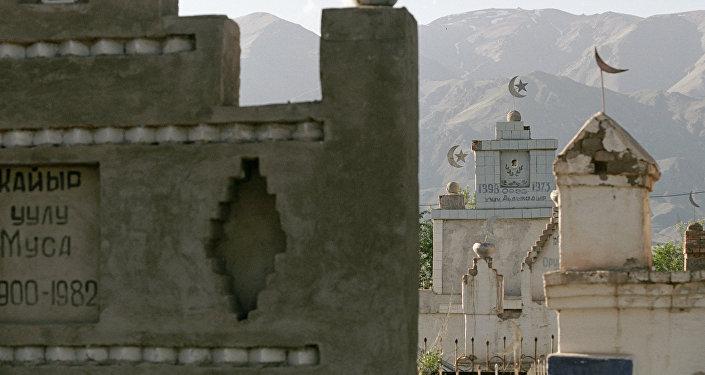 Мусулман мүрзөсү. Архивдик сүрөт