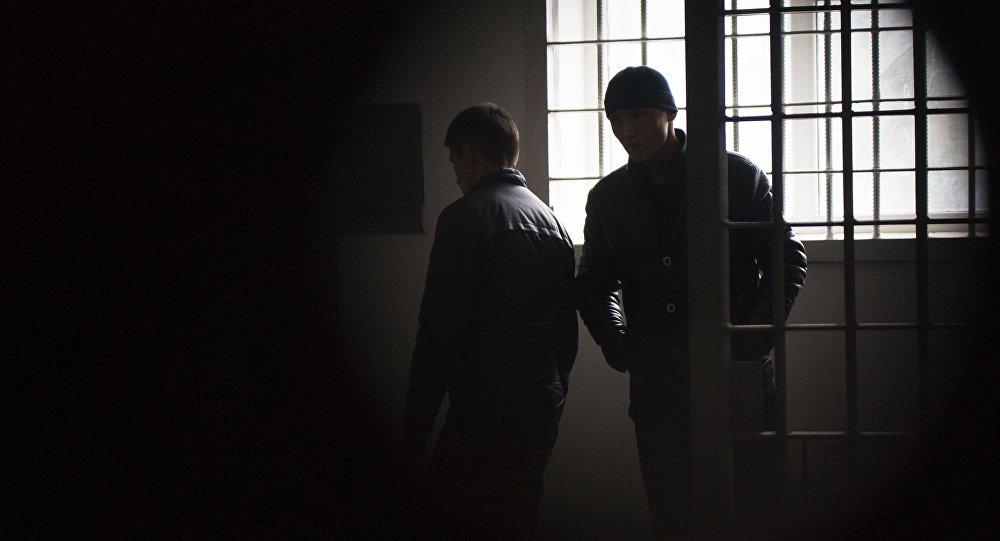 Двое сбежавших изИВС особо рискованных арестантов задержаны вБишкеке