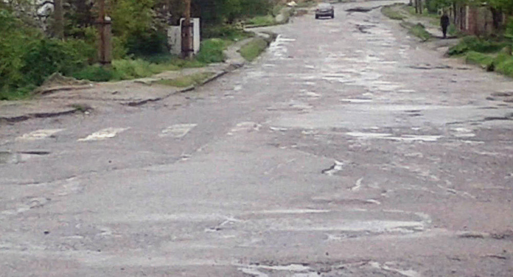 Опасная дорога на улице Северной в жилом массиве Чон-Арык