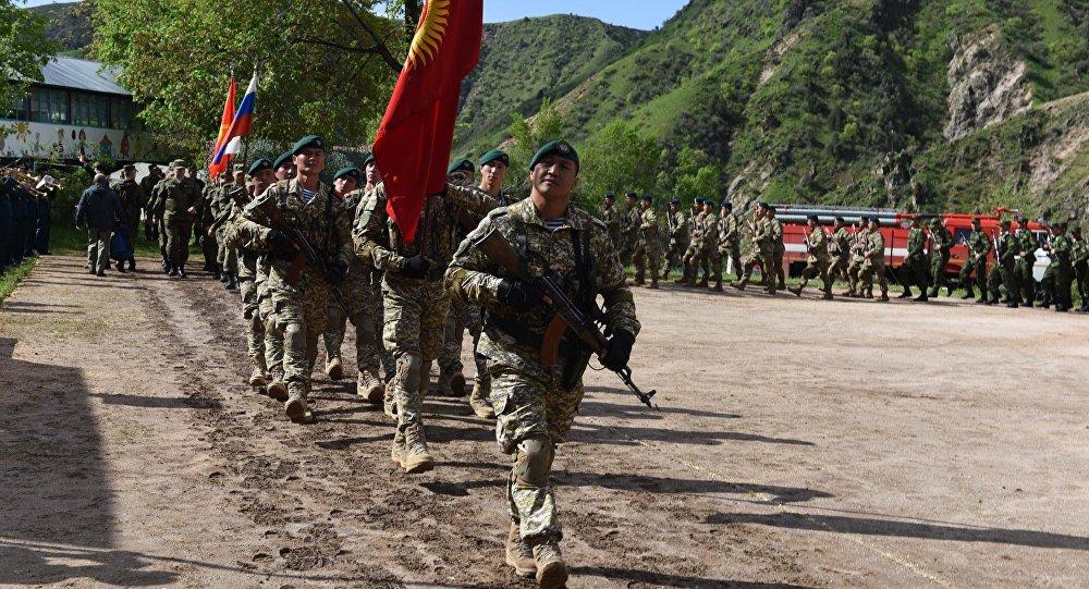 Военнослужащие Кыргызстана на совместных учениях ОДКБ Поиск-2016 в Таджикистане