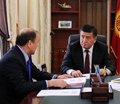Премьер-министр Сооронбай Жээнбеков ички иштер министри Мелис Турганбаевди кабыл алды.