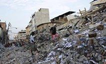 Разрушенные землетрясение жилые дома. Архивное фото