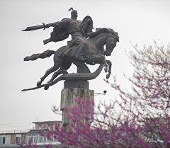 Бишкектеги Манас айкели. Архив