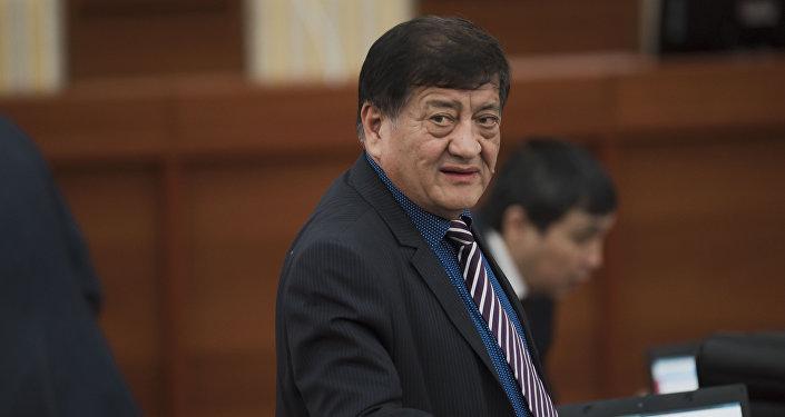 Депутат ЖК 6 созыва Анвар Артыков от фракции СДПК. Архивное фото