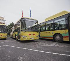 Кытай мамлекетинен келген жаңы автобустар. Архив