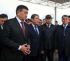 Премьер-министр Сооронбай Жээнбеков кыргыз-казак чек арасындагы Актилек көзөмөл пунктунда