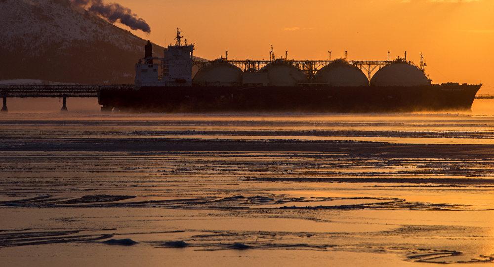 ВКаспийском море горит таганрогский танкер