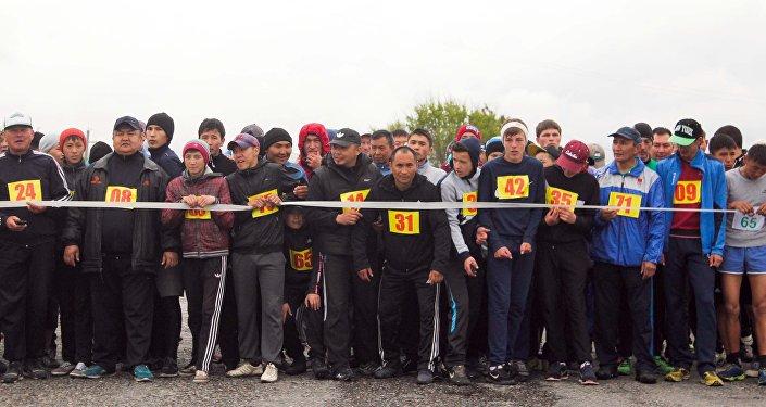 В пробеге участвовало более 150 человек.