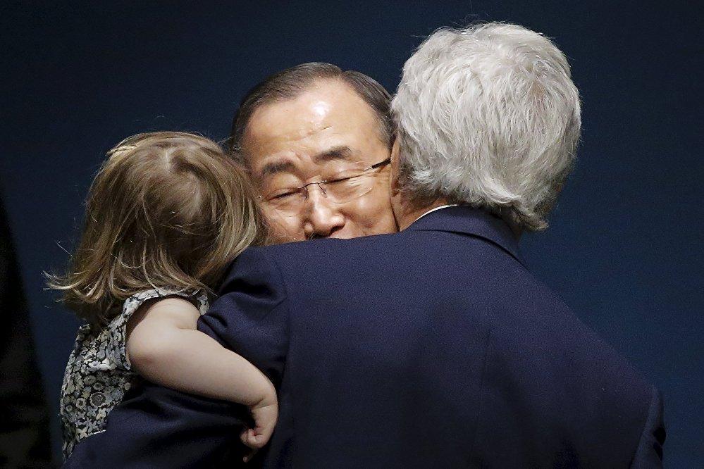 Церемония подписания Парижского соглашения по борьбе с глобальным изменением климата в штаб-квартире ООН в Нью-Йорке