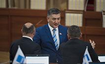 Жогорку Кеңештин депутаты Төрөбөй Зулпукаров. Архив