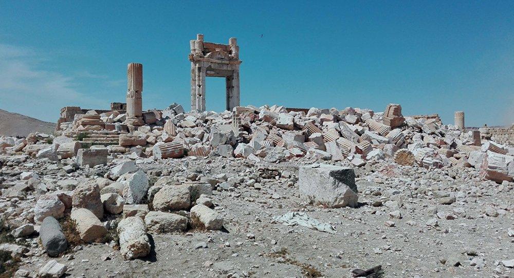 Разрушенная историческая часть Пальмиры. Архивное фото