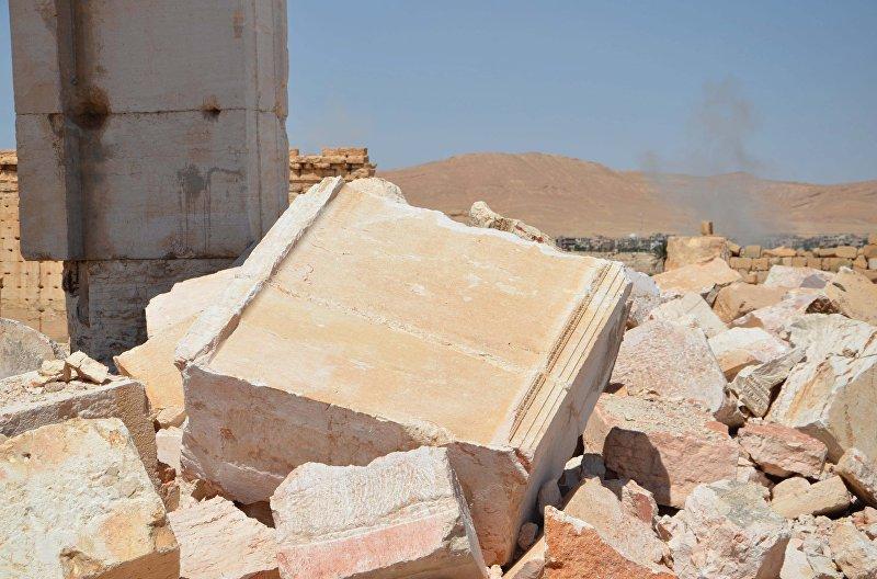Разрушенная историческая часть Пальмиры, расположенная в одном из оазисов Сирийской пустыни, между Дамаском и Евфратом