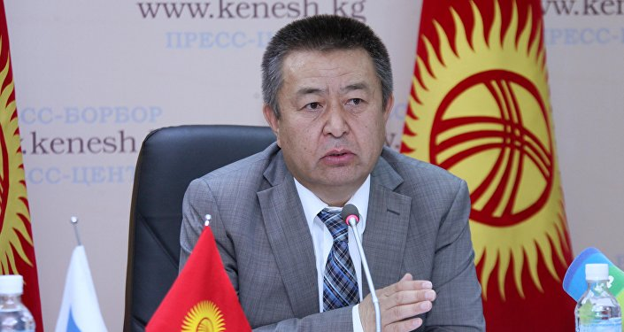 Архивное фото спикера Жогорку Кенеша Чыныбая Турсунбекова