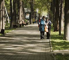 Бишкектеги Эркиндик бульвары. Архивдик сүрөт