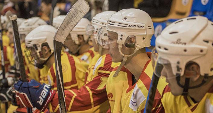 Кыргызстандык хоккейчилери. Архивдик сүрөт