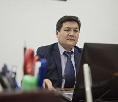 Архивное фото омбудсмена Кыргызской Республики Кубата Оторбаева