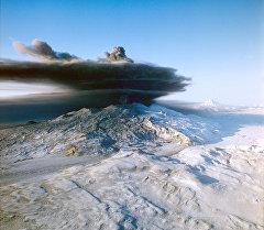 Ключевская сопка - вулкан на Камчатке. Архивное фото